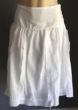 Beautiful SPORTSGIRL White Lightweight Yoke Lined Skirt Size 10 (S)