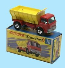 MATCHBOX SUPERFAST: 70B GRIT SPREADER - YELLOW/RED - BOX G2 - EXCELLENT