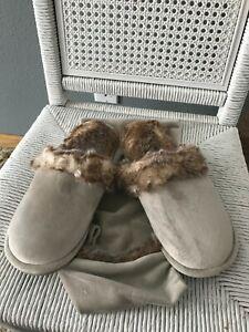 RESTORATION HARDWARE Faux Fur Scuff Slippers-Medium-Women 9-10, Men 8-9