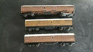 OO Gauge 4mm LNER Kit Built Coaches x 3 Peco/Parkside/Ratio?
