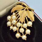 Vintage Brooch TRIFARI 1950s Faux Pearl Goldtone Leaves & Berries Jewellery 2