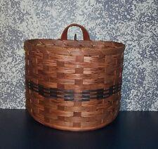 Amish Handcrafted Medium Wall Hanging Basket