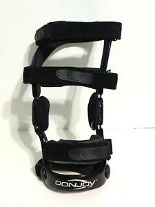 DONJOY Defiance Knee Brace ACL Ligament Sports R Right Leg Medium M Blue Black