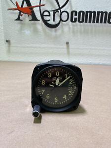 Piper PA-28 Kollsman Altimeter 671 (0942)