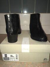 Clark's Boots Size 7.5 D