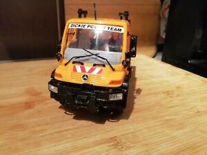 Dickie Power Team Unimog 2000 M1320 mit Schwungradmotor