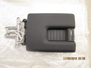 14 - 20 TOYOTA TUNDRA SR5 TRD PRO CENTER CONSOLE ARM RESTER LID BLACK OEM NEW