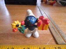 Smurf figure flowers and gift box present 1978 Vintage Schleich Peyo