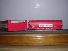 """INTER.Spec. Du Pont """"Red"""" ACF. 4650 Cu.Ft.3-Bay C.F. Hopper Car w/5 #s H.O.Gauge"""