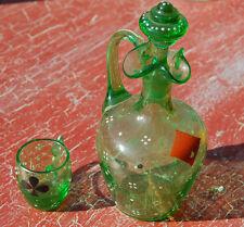 Karaffe aus Glas antik grün 13 cm mit son kleiner Glas guter Zustand C23