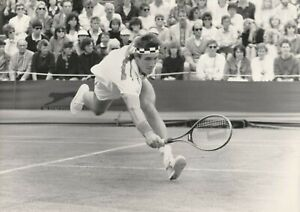 Tennis BW Press Photo Pat Cash Wimbledon Champion 1987