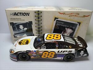 2005 Dale Jarrett #88 UPS / Mother's Day RYR Ford 1:24 NASCAR Action MIB