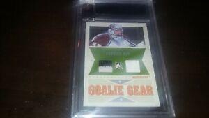 2005-06 ITG Ultimate Memorabilia Goalie Gear Jersey & Glove PATRICK ROY SP 4/25