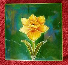 Antique Victorian / Edwardian art nouveau daffodil tile (repaired)