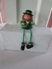 St. Patrick's Day Dangling Leg Leprechaun w Pipe Shelf Sitter New Defect As Is