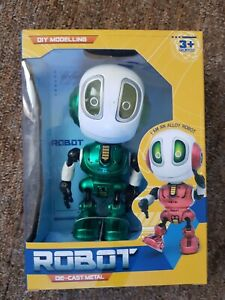 ROBOT DIE-CAST METAL [+3yrs] * * BRAND NEW BOXED * *