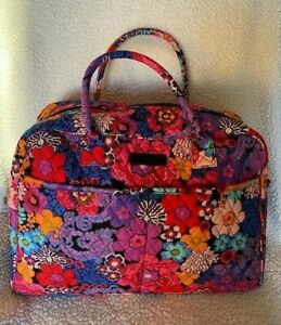NWT Vera Bradley Weekender bag in Floral Fiesta XL for Travel bright!