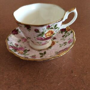 Royal Albert Porcelain Old Country Roses -SOFT PINK LACE- Tea Cup & Saucer
