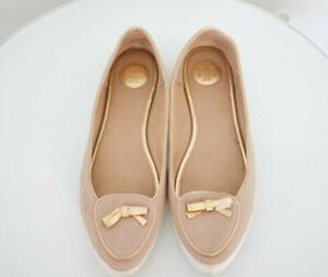 Tory Burch Nude Ballet Flat Shoes Gold Bow Logo Print on Back sz 9