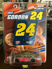 2007 Jeff Gordon Dupont Flames Track Test 1:64 car WC Winners Circle