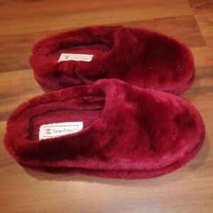 Cozy Time Women Fleece Faux Fur Clogs Slippers Burgundy Size Medium 7-8
