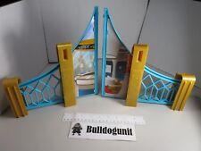 DC Super Hero Girl High School Playset Blue Fence Gate Part Only Batman Batgirl