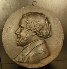 Médaillon daté 12 juin 1867 personnage de profil Hippolyte Le Bas ? diam 22 cm