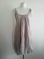 Smart Casual! Lounge size XS oyster crushed-look dress in excellent condition