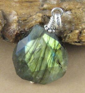 Labradorite stone pendant. Faceted. Blue green with fire. Sterling silver 925.