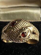 9CT YELLOW GOLD GARNET SNAKE RING 375 9KT SIZE T 1/2