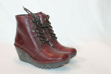 FLY London eur 40 purple Leather Lace up Wedge Ankle Boots Yarn new