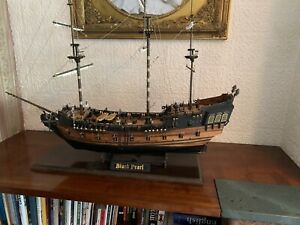 """wooden model sailing ships """"The Black Pearl"""" pirates of the caribbean."""
