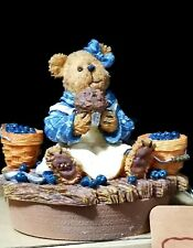 Boyds Bears & Friends The Boydsenberry Patch Muffin B Bluebeary Candletopper