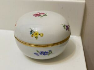 Meissen Round Porcelain Box With Lid Gilt Rim Crossed Swords Hand Painted Flower