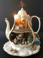 Vintage Enesco Holiday Bungalow Deluxe Illuminated Animated Mice Teapot 1993