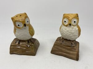 Vintage Hand Painted Owls On Log Old Ceramic Salt Pepper Shaker Excellent Cond.