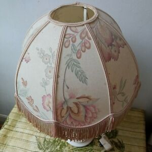 Vintage  pretty  floral  lampshade