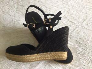 Tommy Hilfiger Black Wedge Sandals Size 5, Worn Once.