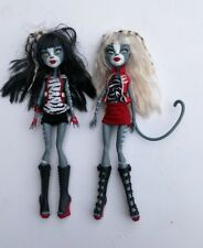 Monster High Puppen. Purrsephone und Meowlody Werecat Sister Twin viele Outfits