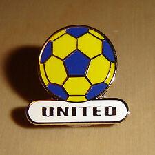 UNITED FOOTBALL PIN BADGE - LEEDS / OXFORD / TORQUAY