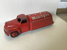 DINKY TOYS MOBIL GAS TRUCK METAL VINTAGE TOY