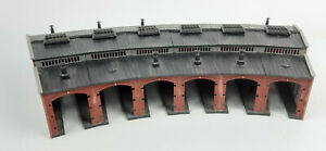 HELJAN 6-STALL ROUNDHOUSE SOME MISSING DETAIL GOOD COND UNBOXED N SCALE(VM)