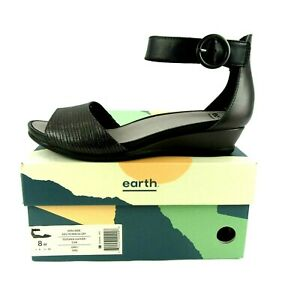 EARTH Hera Women's 8W Charcoal Leather Comfort Sandal Ankle Strap Metallic