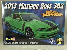 +++ REVELL MONOGRAM US 1/25 2013 MUSTANG BOSS 302 PLASTIC MODEL KIT 85-4187