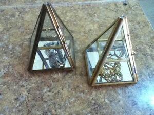 Pyramid Display Box - Hinged Glass Jewelry Box