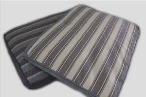 White Medium Tough Pet Mat W/ Removable Cover 80Lx60Wx12Hcm (FREE POSTAGE)