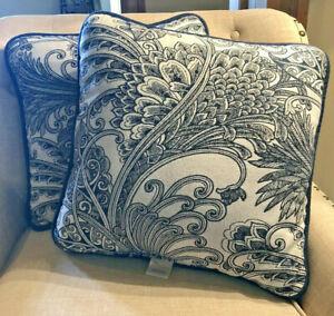"Sunbrella Pillows Blue & White Outdoor Set Lot 2 18"" x 18"" Square Boho Nautical"