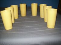 TUPPERWARE 12 OZ HARVEST GOLD TUMBLERS GLASSES CUPS LOT OF 8 GOOD CONDITION