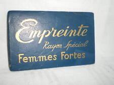 PLAQUE DE MAGASIN DE MODE EMPREINTE FEMMES FORTES BLEUE