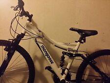 Womans/Girls Midsized 21 Speed White Mongoose Mountain Bike